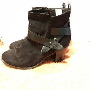 Old Navy Strappy Ankle Boots Black Size 10